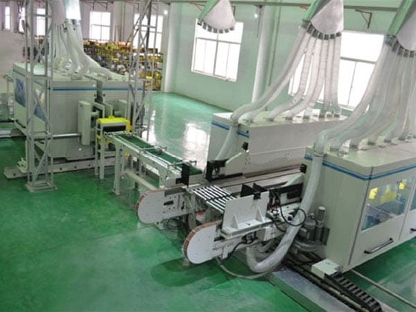 Advantages of SPC floor production line